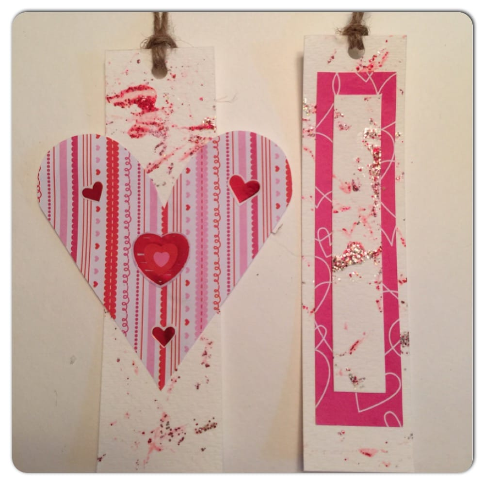 Are you looking for a simple Valentine's Day craft for kids? Check out this easy 3-step Marble Painted Valentine's Day Cards craft. Even toddlers and preschoolers can do it!