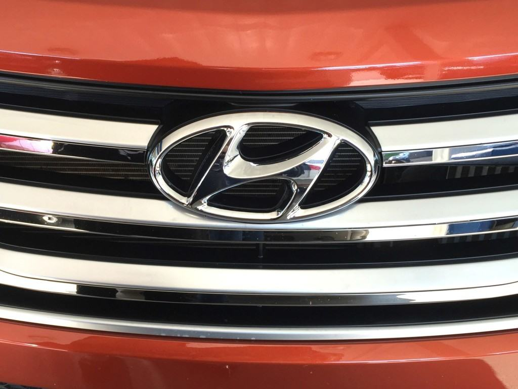 2015 Hyundai Santa Fe AWD 2.0T Review