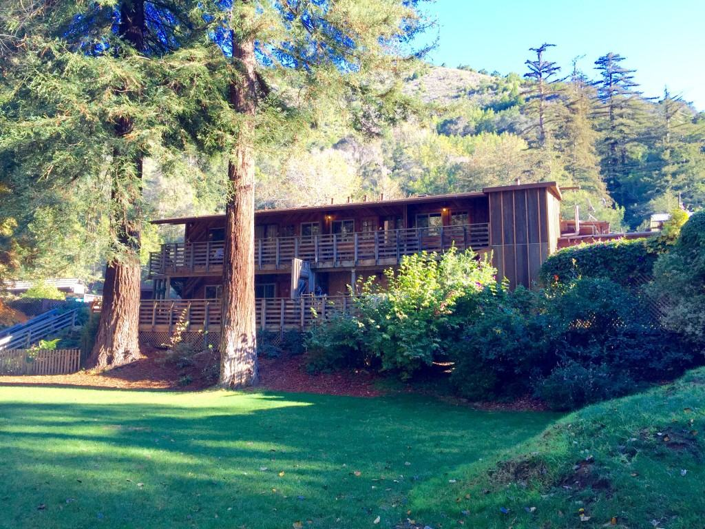 Big Sur River Inn offers accommodations that look out right over the river. There is a restaurant on site as well.