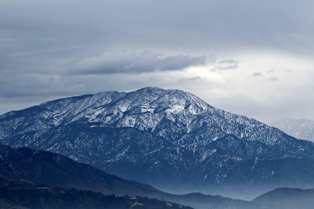 San Bernardino Mountains on the way to snow skiing