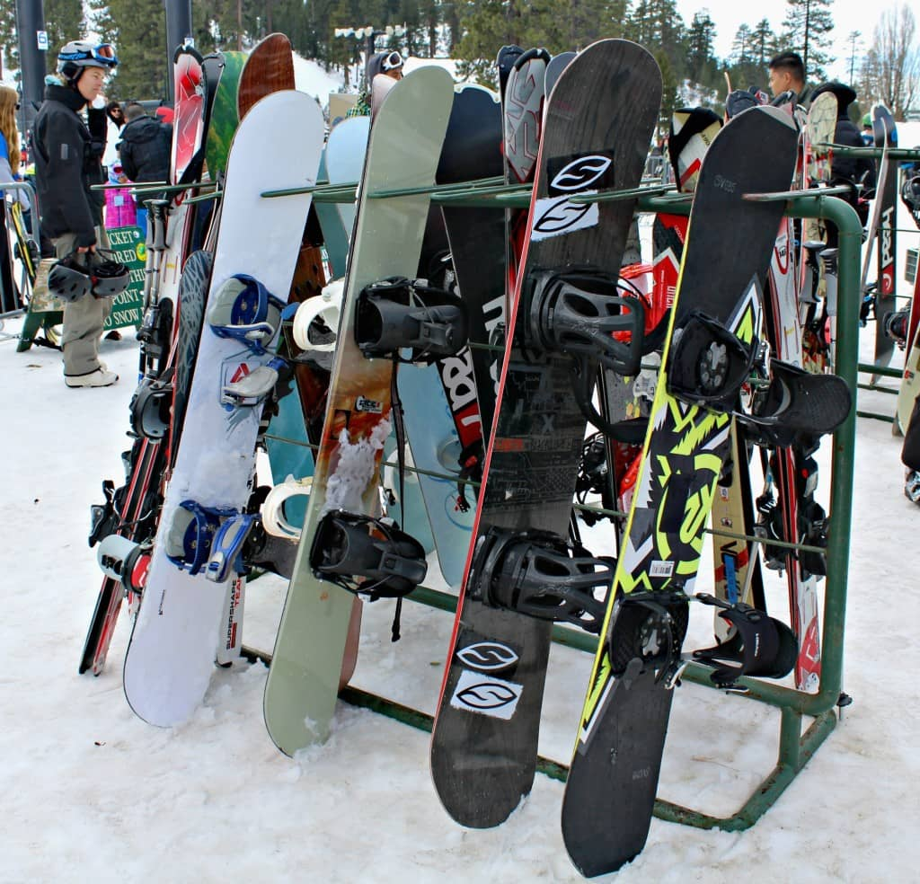 Snow boarding at Snow Valley Mountain Resort
