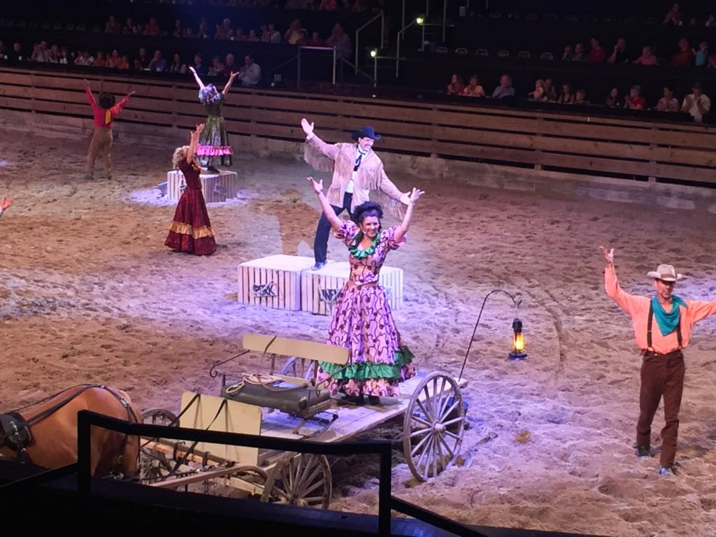 Dolly Parton S Dixie Stampede Dinner Show Review Socal Field Trips