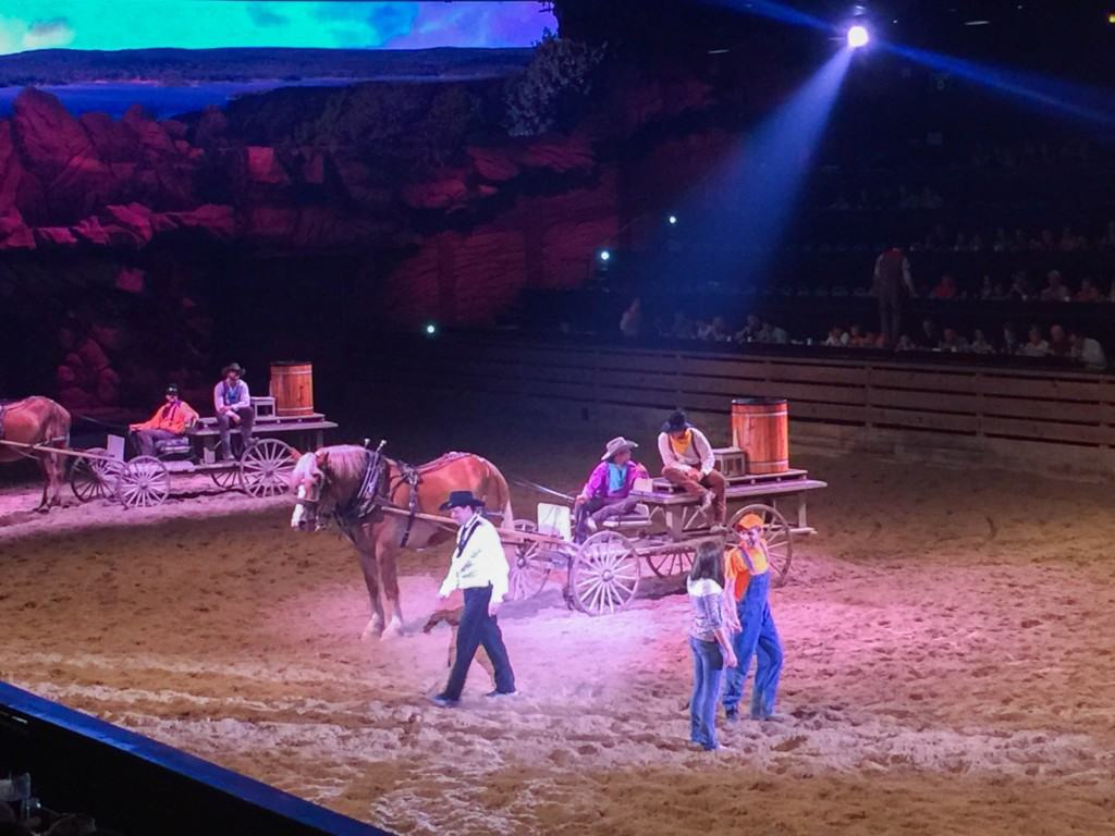 Dolly Parton S Dixie Stampede Dinner Show Review Socal
