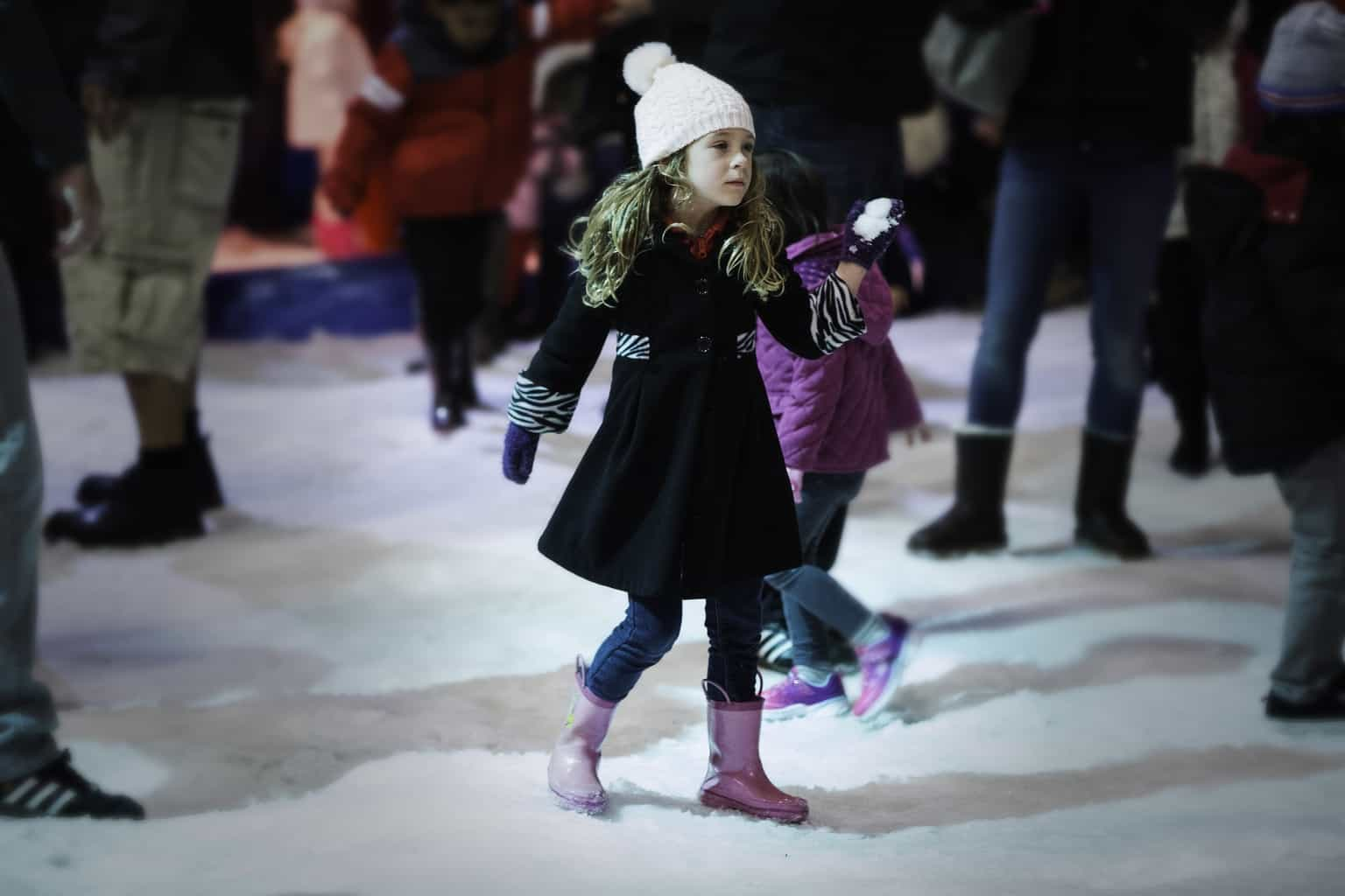 Where you can find snow in Southern California? Check out Winter Fest 2017 blowing into the OC Fair & Event Center in Costa Mesa on December 21 through January 7! Winter Fest embodies the spirit of the winter season, bringing fun and merriment to sunny Southern California.