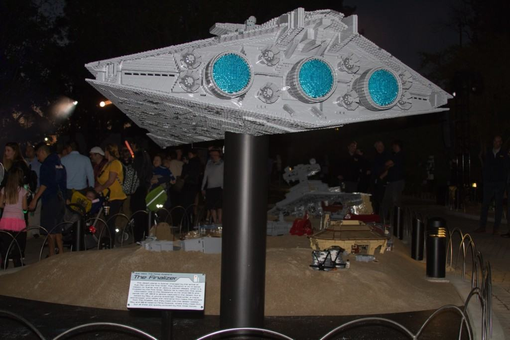 Are you an epic Star Wars Fan? Then check out the all new LEGO Star Wars: The Force Awakens Miniland Model Display at LEGOLAND California.