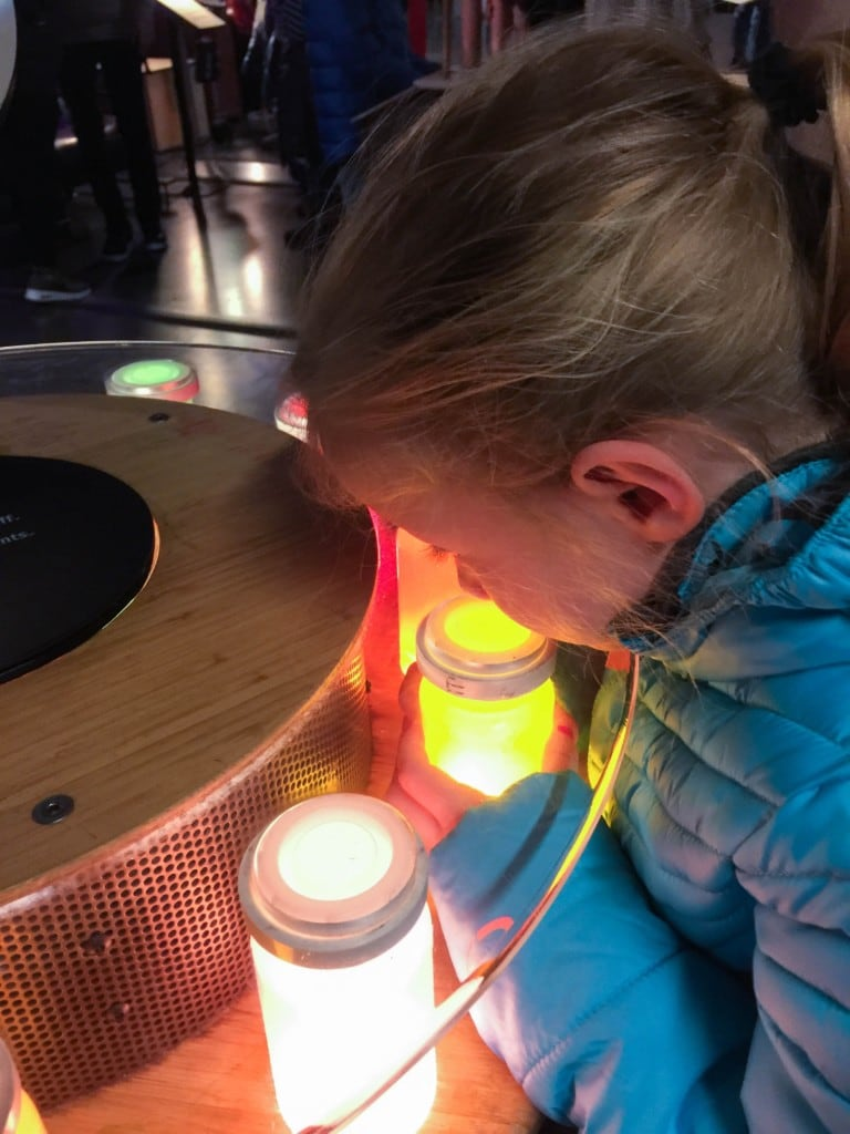 Are you planning a family vacation to San Francisco? The Exploratorium is a great museum for kids, because it's a public learning laboratory and explores the world through science, art, and human perception. Its mission is to create inquiry-based experiences that transform learning worldwide. All the activities are hands-on and kid-friendly.