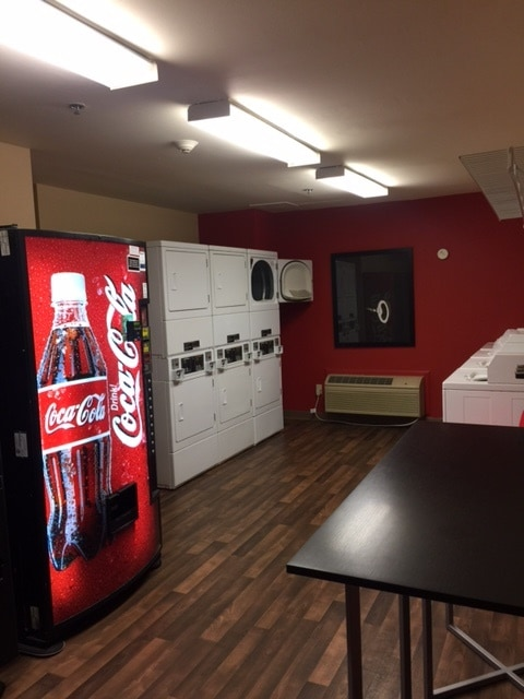 Are you looking for a reasonably priced hotel for business travel? Check out Extended Stay America! Their hotels are designed especially for longer stays with studios featuring fully equipped kitchens and plenty of work space. amenities you won't find in a typical hotel room.