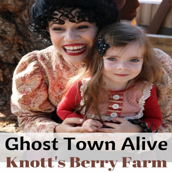 Are you looking for a fun family outing this summer? Then check out Ghost Town Alive at Knott's Berry Farm in Buena Park, California. Ghost Town Alive is chocked full of fun activities like a photo scavenger hunt, hoedown, Snoppy magic show and more.