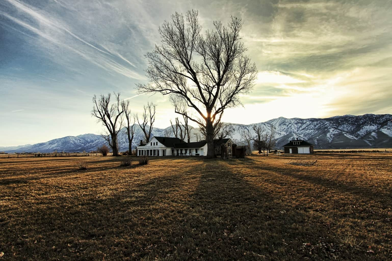 Do you love to travel and explore historical places? Carson Valley, Nevada is a prime location for both endeavors.  Located only 45 minutes south of Reno and 12 miles east of South Lake Tahoe, Carson Valley is no ordinarly place to visit. In addition to offering prestine mountain top views, charming restaurants, and legendary adventures for ages, the valley is home to more than ten historical sites and places of interest and explore.