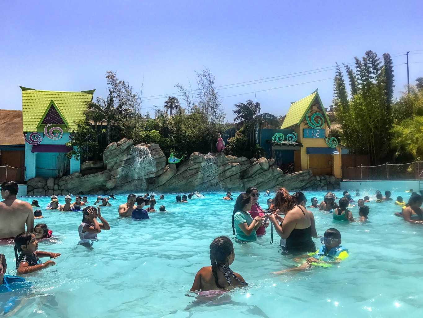 Are you looking for a fun place to cool off and beat the heat in Southern California? Check out Aquatica San Diego which has over a dozen water slides that appeal to all different ages and thrill-seekers. They even have live flamingo and sea turtle encounters!