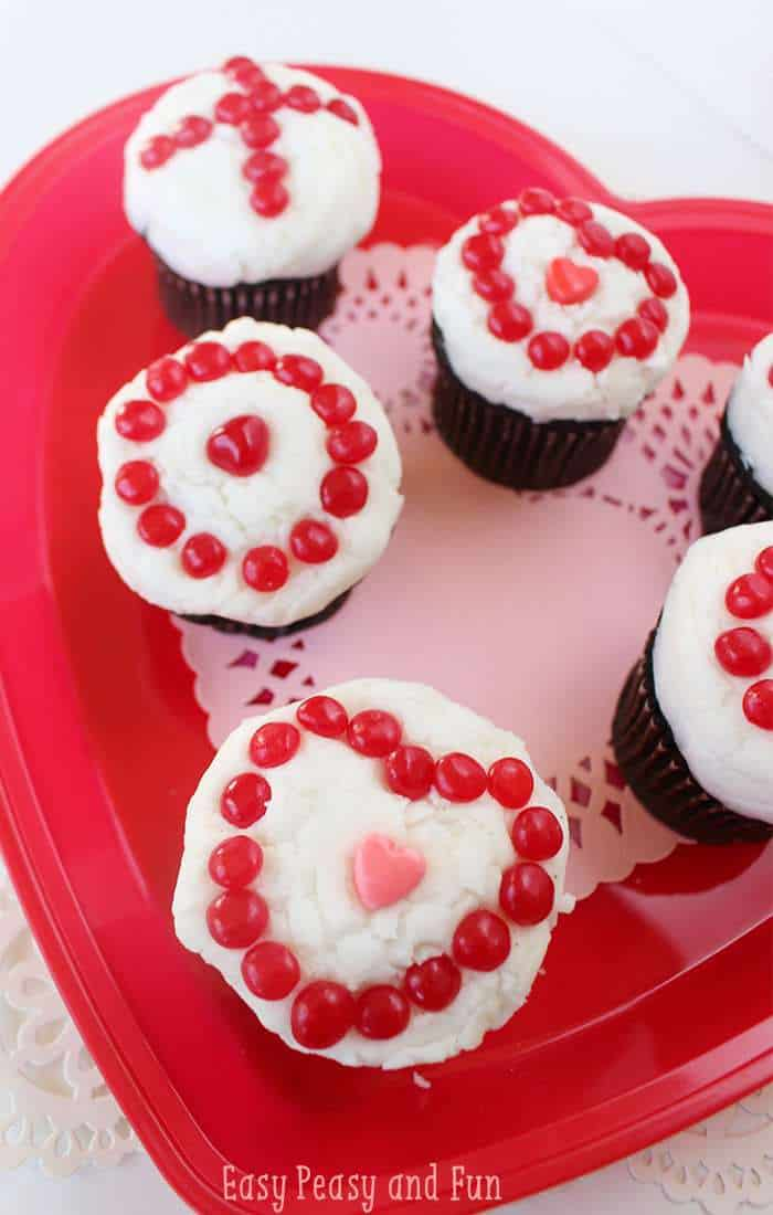 Are you looking for an easy to make Valentine's Day cupcake recipe? It'll be love at first bite with one of these indulgent seal-the-deal Valentine's Day treats. Ideal for classroom and office parties.