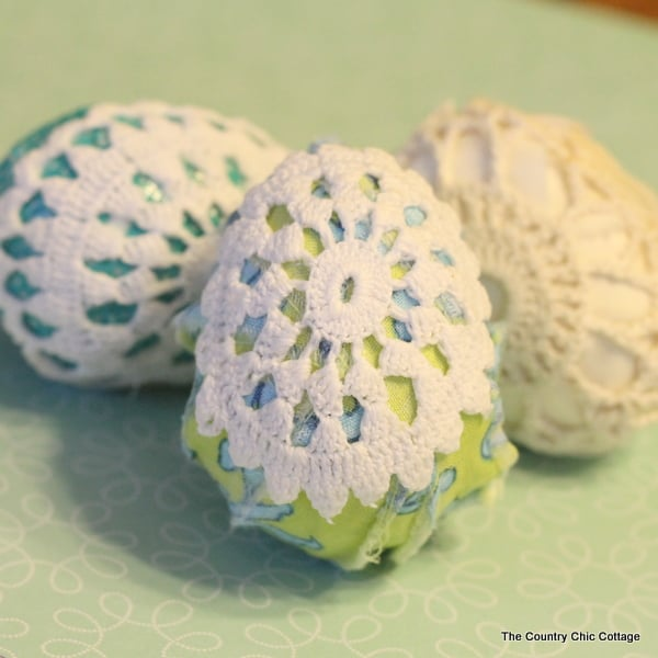 doily easter egg decoration