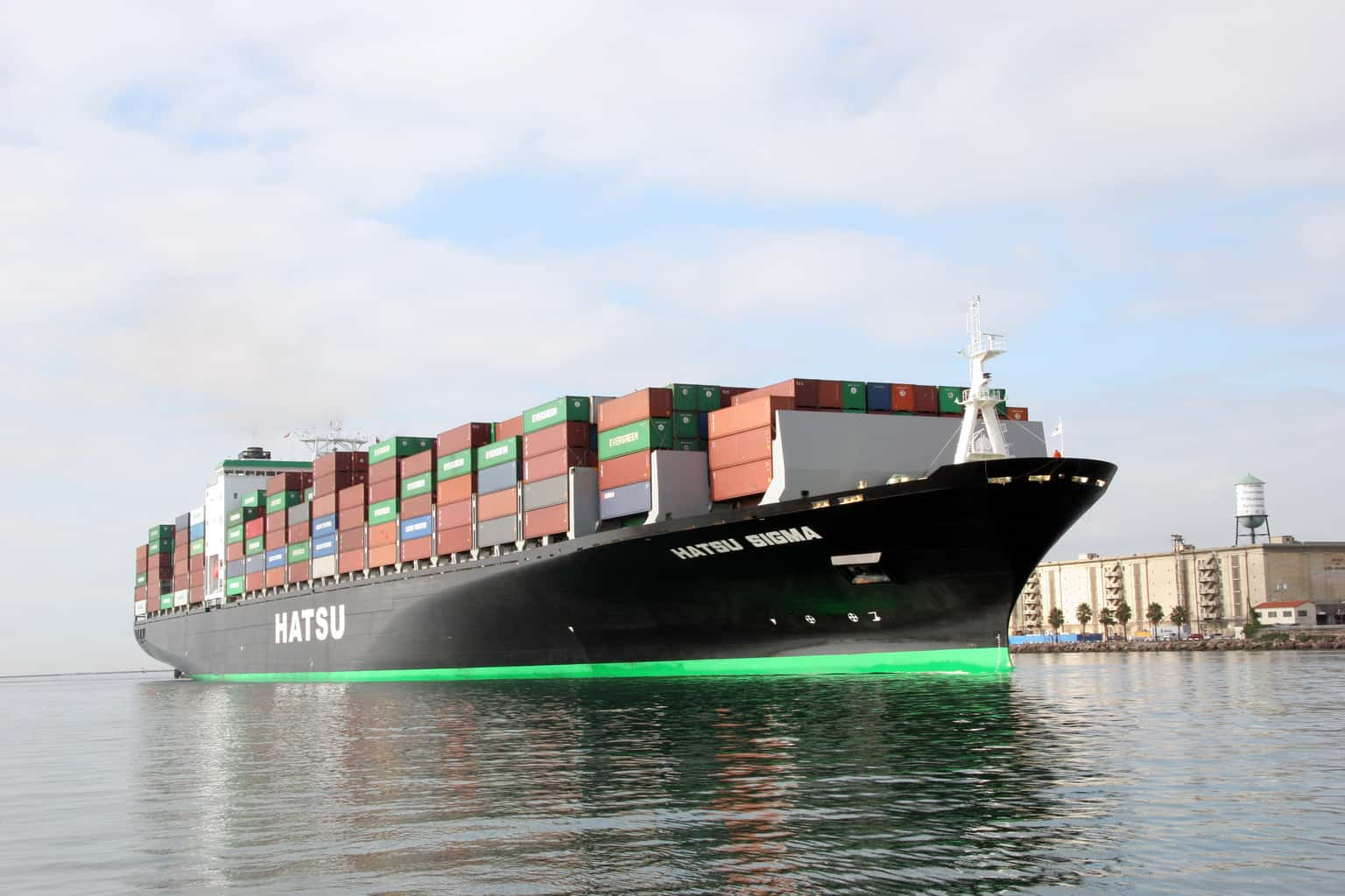 Take a free boat tour of the Port of Los Angeles on May 19! The Port of Los Angeles is a premier international Port, the #1 container port in the nation, a leader in environmental initiatives and home to diverse recreational and educational facilities.
