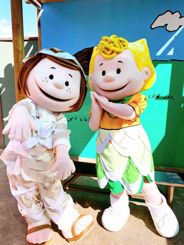 Characters at Knott's Spooky Farm Buena Park