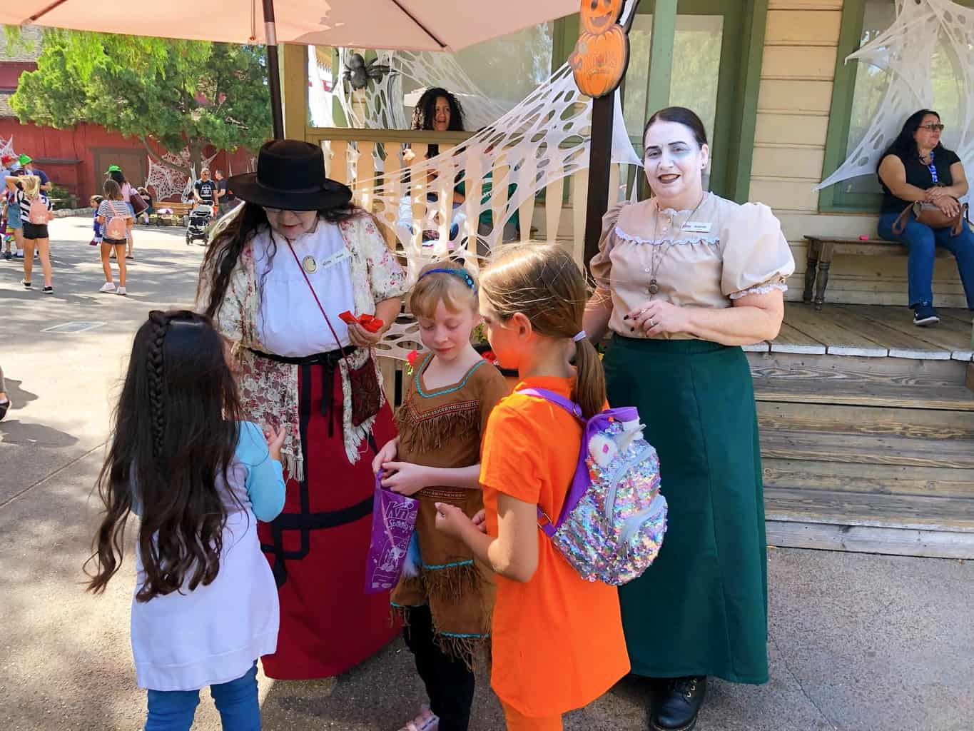 Knott's Berry Farm Trick or Treating
