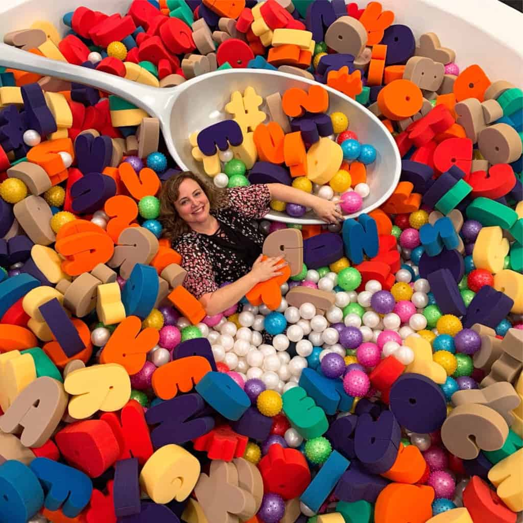Check out this list of 10+ Pop Up Museums in Los Angeles where guests are encouraged to laugh, smile, and have fun, all the while doing crazy things like riding a colorful cookie carousel or diving into a bowl of fruit.