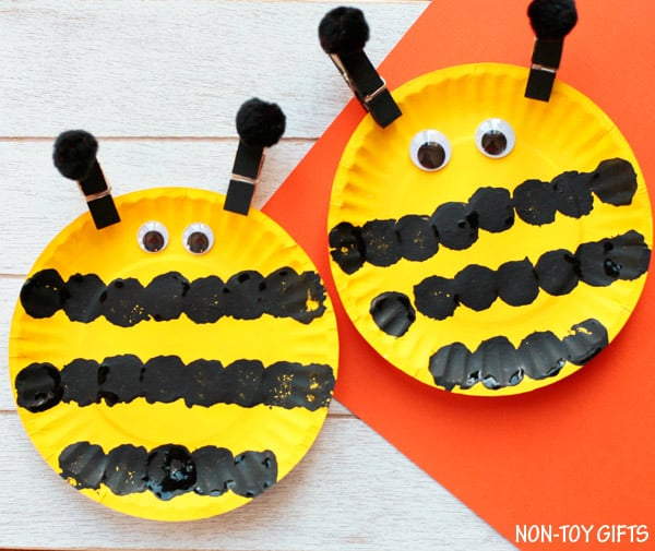 Toddler bee art project