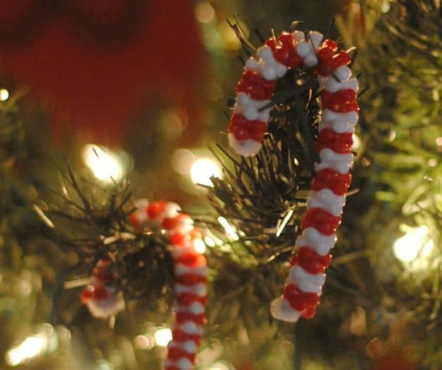beaded candy cane craft for kids