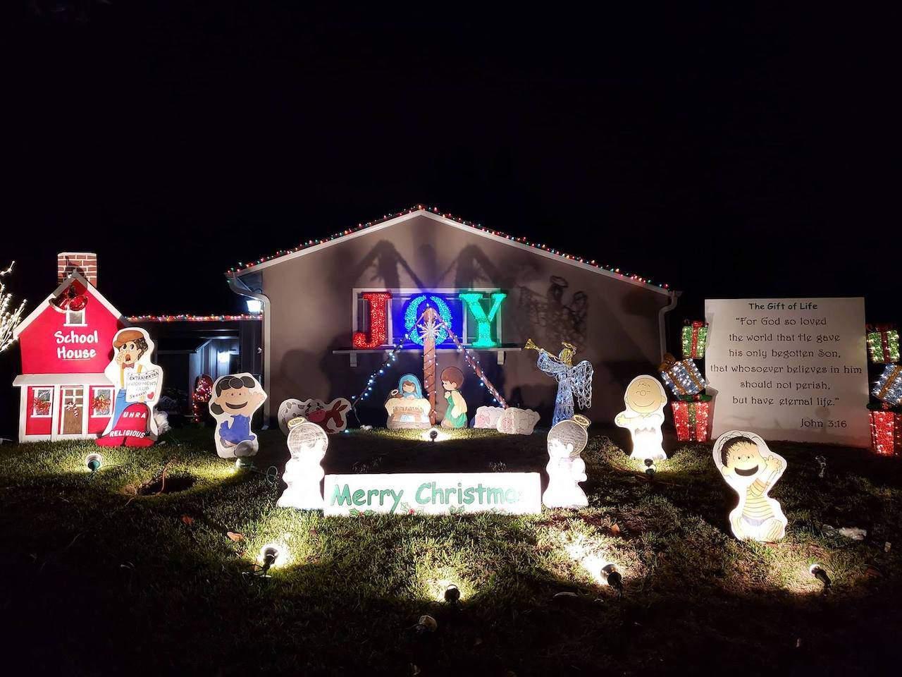 Christmas Lights at Upper Hastings Ranch in Pasadena