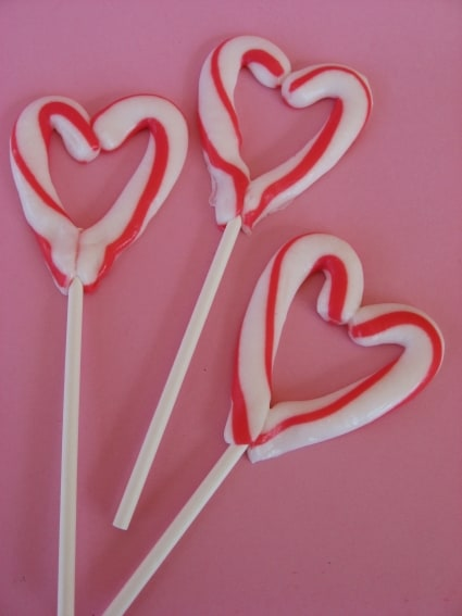 heart shaped candy cane craft for kids