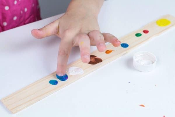 Easy fingerprint planets craft for preschool