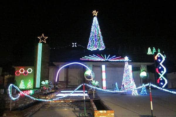 San Antonio Christmas Lights in Chino