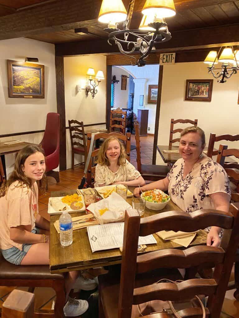 Where did President Nixon eat in San Juan Capistrano